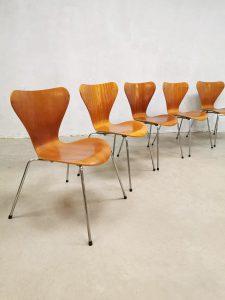 Vintage 'Butterfly' chairs 'vlinder' eetkamerstoelen Fritz Hansen Arne Jacobsen
