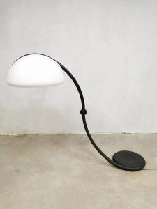 Vintage design 'Serpente' floor lamp booglamp Elio Martinelli Luce 5