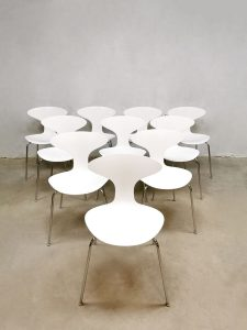 Design 'Orbit' stacking chairs eetkamerstoelen Ross Lovegrove Bernhardt Design
