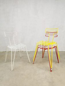 Eighties vintage metal wire chairs metalen draad stoelen 'Color blocking'