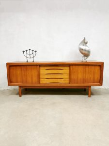 Midcentury Danish design sideboard dressoir Burchardt Nielsen XL