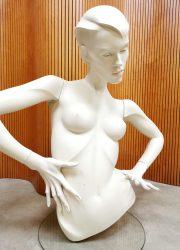 New John Nissen mannequin buste dress girl