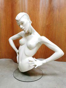 Vintage '70's Vogue' mannequin etalagepop New John Nissen Mannequins S.A.
