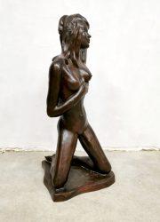 Vintage nude lady sculpture chalkware 'Alexander' keramiek beeld 'pin up'