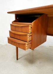 vintage desk Deens teak design bureau Tibergaard 4