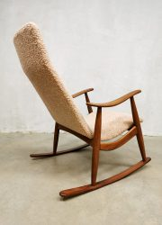 vintage design schommelstoel rocking chair sixties Dutch desing midcentury interior