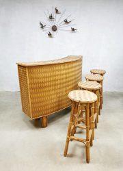 Vintage design woven bamboo wicker cocktail tiki bar 'Havana nights'