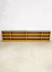 industriele sixties school cabinet room divider