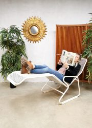 Vintage daybed draadfauteuil ligbed, midcentury modern metal wire chaise lounge garden set