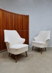 Midcentury wingback chair lounge fauteuil Artifort 'boucle'