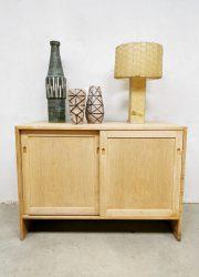 Midcentury sideboard cabinet dressoir Hans Wegner Ry Mobelfabrik