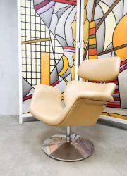 Tulip chair Artifort Pierre Paulin