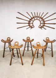 Midcentury design Spanish bar stools Spaanse barbruk krukken Brutalist