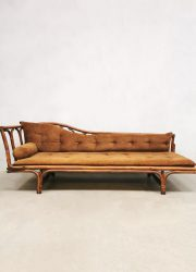 vintage chairse longue baboo rattan design bohemian style sixties design