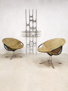 Vintage swivel balloon circle chairs fauteuils Lusch & Co