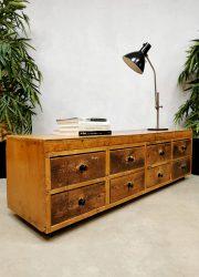 vintage ladekast industriele kast patina french school cabinet