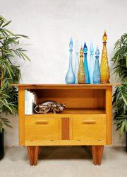 Vintage Dutch design cabinet tv meubel kast 'sixties delight'Vintage Dutch design cabinet tv meubel kast 'sixties delight'