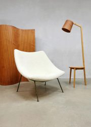 Dutch vintage design easy chair Oyster Artifort Pierre Paulin F157 'Boucle'