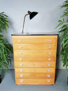 Vintage industrial chest of drawers Franse industriële ladekast