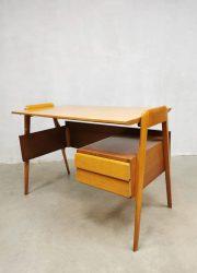 Midcentury Italian design writing desk bureau Vittorio Dassi