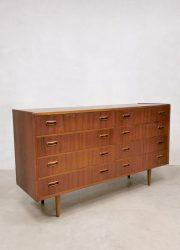 Midcentury Danish design double chest of drawers teak ladenkast Deens interior