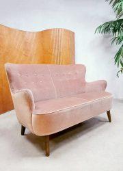 Midcentury Dutch vintage design sofa bank Theo Ruth Artifort 'Pink velvet'