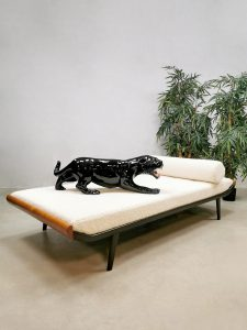 Vintage Cleopatra daybed Dutch design sofa Dick Cordemeijer for Auping 'Boucle'