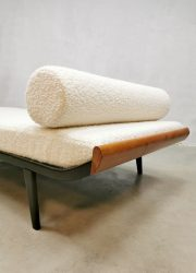 Vintage Cleopatra daybed Dutch design sofa A.R Cordemeijer Auping 'Boucle'