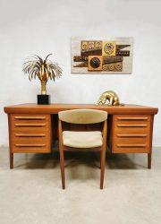 Vintage Danish teak desk bureau Ib Kofod-Larsen voor Faarup Møbelfabrik