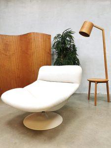 Vintage Dutch design swivel chair fauteuil Artifort Geoffrey Harcourt F518