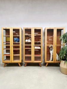 Vintage wooden display cabinet houten vitrine kast schoolkast